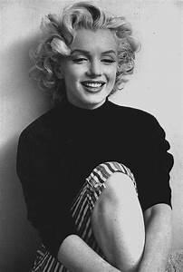 Marilyn Monroe Bilder Schwarz Weiß : pin von candice viellet auf norma jeane pinterest schauspieler innen friseur und 50er jahre ~ Bigdaddyawards.com Haus und Dekorationen
