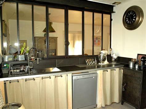 photo cuisine retro une verrière dans la cuisine pour une déco rétro style atelier