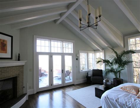 Vaulted Beadboard Ceiling : In1
