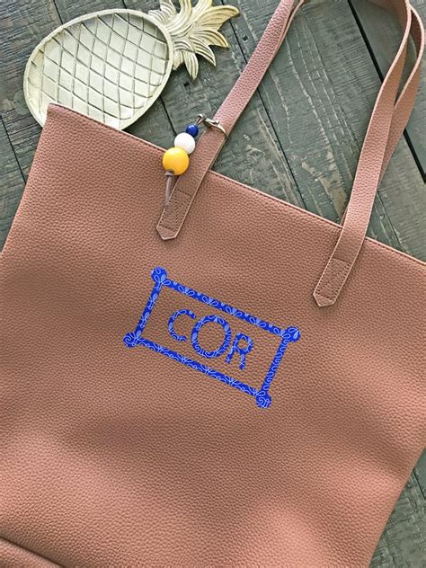 monogram crafts  projects   cricut ideas