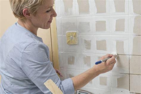 comment peindre du carrelage de cuisine comment repeindre le carrelage de la cuisine bricobistro