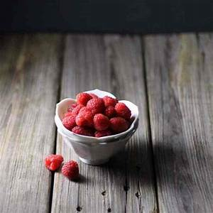 3 Easy, Cheap Photography Backdrops For Awesome Food Pics | eat healthy eat happy