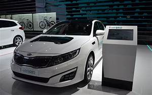 Kia Paris : kia optima t hybrid bows at paris the car guide ~ Gottalentnigeria.com Avis de Voitures
