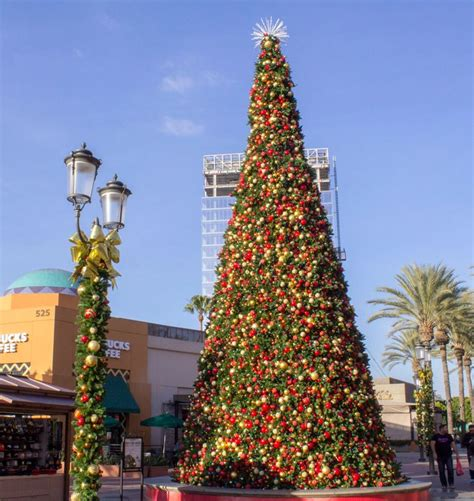 christmas trees irvine 14 best decor at outdoor lifestyle centers and malls images on