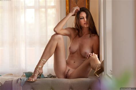 Wallpaper Amber Sym Nude Young Sexy Spread Legs Long