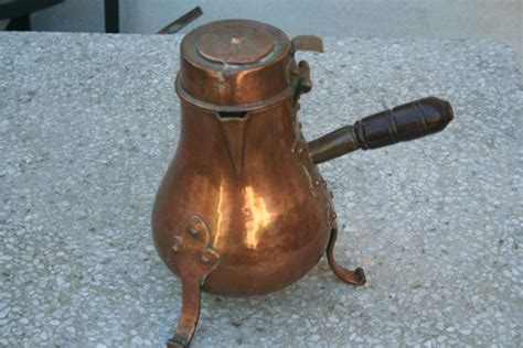 la cuisine de christine coquemar echaufoir pied tripode riveté en cuivre à
