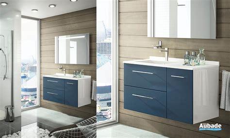 chambre gris et aubergine faience salle de bain bleu ciel