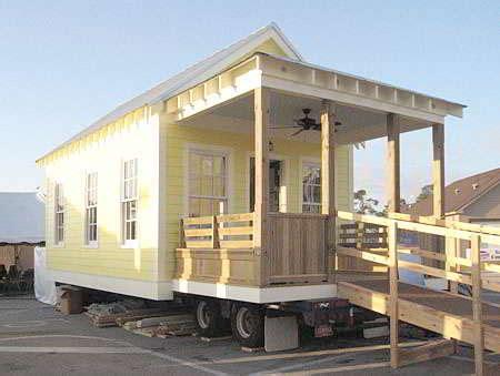 foto cat rumah semi permanen sederhana gambar desain