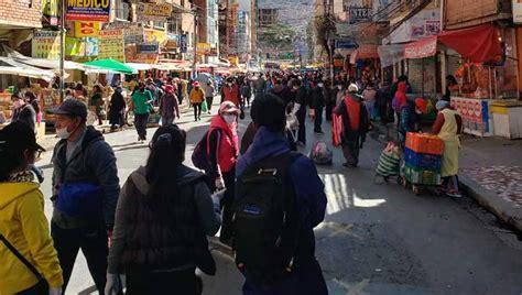 Alarmante congestión vehicular y peatonal en La Paz pese a ...