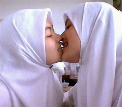 Koleksi Foto Cewek Hijab Siap Ngentot Openmidnight