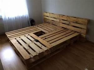 Bett Aus Holzpaletten : die 25 besten ideen zu palettenbett auf pinterest ~ Michelbontemps.com Haus und Dekorationen