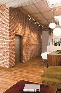 Mur En Brique Intérieur : d coration industrielle d couvrez le parement mural brique en pierre reconstitu e id al pour ~ Melissatoandfro.com Idées de Décoration