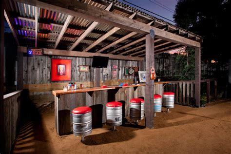 23 Creative Outdoor Wet Bar Design Ideas