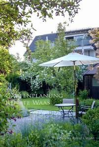Was Blüht Jetzt Im Garten : laendlicher garten landhausgarten ~ Lizthompson.info Haus und Dekorationen