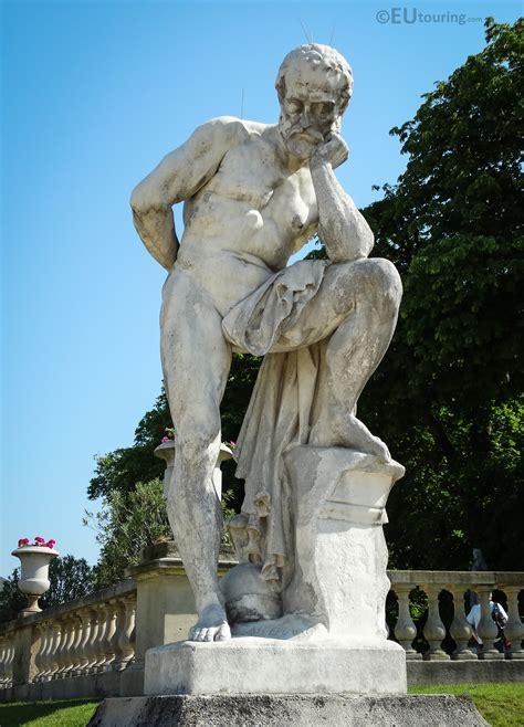 Photos of Marius debout sur les ruines de Carthage statue ...