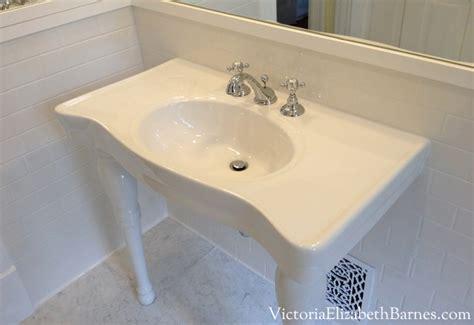 bathroom sink consoles vintage subway tile vintage bathroom fixtures porcelain console