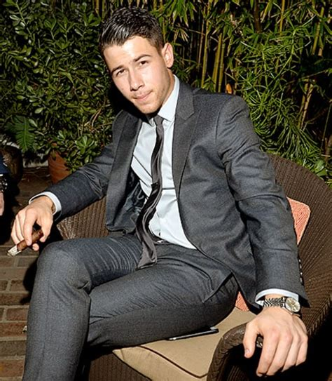 gq men of the year awards see chris pratt nick jonas more hunky men us weekly