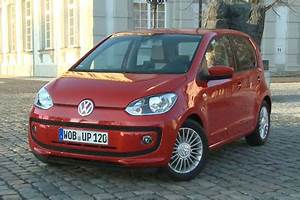 Volkswagen Up Automatique : essai volkswagen up high 1 0 75 ch bluemotion 5 portes ~ Melissatoandfro.com Idées de Décoration