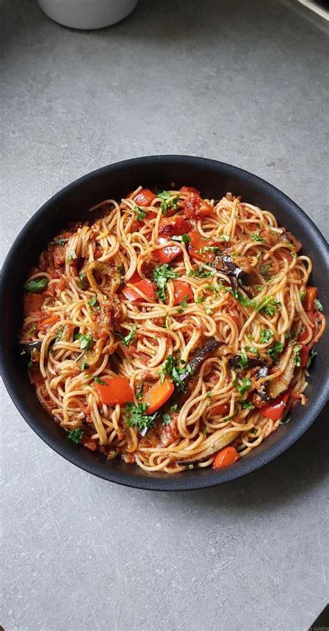 spaghetti  laubergine grillee  poivron rouge  la