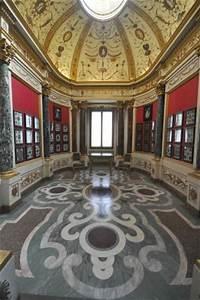 Annunciazione di Simone Martini - Picture of Uffizi ...