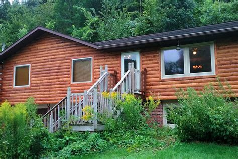 White Cottage Rental by White Pine Cottage 4 Bedroom Cabin With Tub