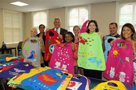 greenwich preschool offers capes as reading incentive 383 | 920x920