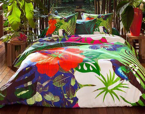 couleurs pour chambre linge de lit motif tropical becquet création becquet