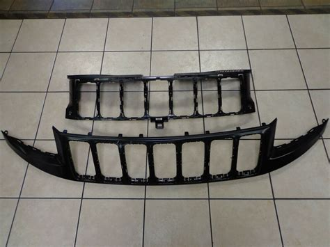 jeep grand cherokee  front radiator grille black