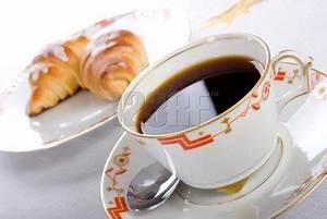 Tasse Petit Déjeuner : tasse petit d j croissants petit d jeuner vaivaine ~ Teatrodelosmanantiales.com Idées de Décoration
