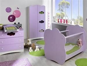 Modele Deco Chambre : ambiance chambre b b violet ~ Teatrodelosmanantiales.com Idées de Décoration