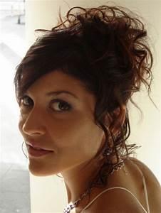 Chignon Cheveux Mi Long : chignon cheveux boucl s mi long ~ Melissatoandfro.com Idées de Décoration