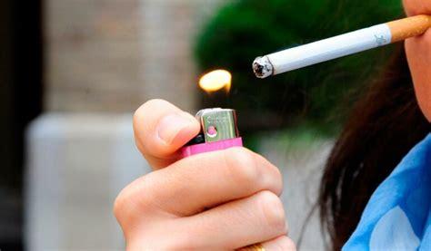 El consumo de tabaco entre jóvenes de 14 a 18 años se