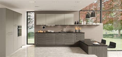 meuble cuisine couleur taupe cuisine chene clair couleur mur meilleures images d