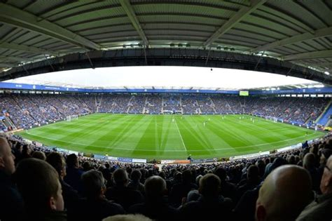 Leicester City's ground staff produce STUNNING pitch ...