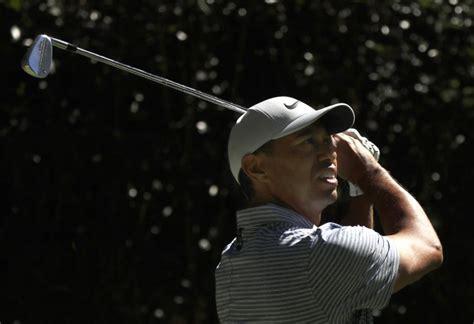 McIlroy comienza bien; Woods sufre en México