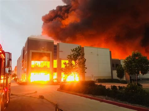huge fire burns redlands ca warehouse