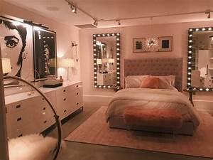 Studio Mirror With Lights Vsco Chloeweinsteinn Rooms In 2019 Bedroom Bedroom