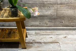 Detail Of Wood Plank Tile Shower  U0026 Bench
