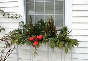 Deko Weihnachten Draußen : fensterdeko f r weihnachten vermittelt eine tolle feststimmung ~ Michelbontemps.com Haus und Dekorationen