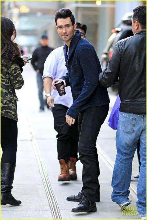 maroon 5 vancouver celeb diary adam levine in vancouver paparazzi