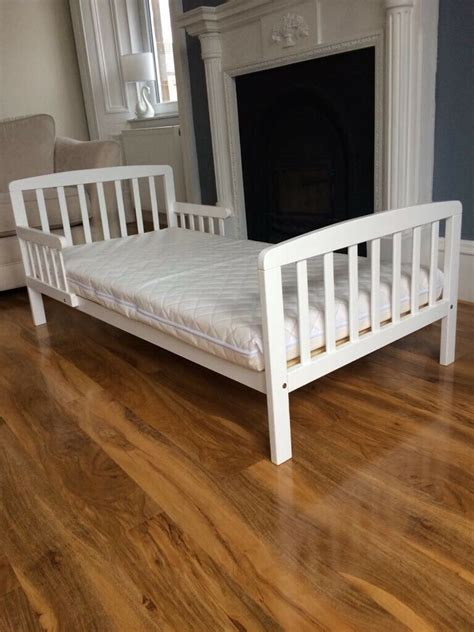 White Beds For Sale by White Wooden Toddler Bed Mattress For Sale In Burnside
