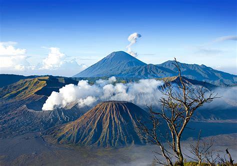 wisata gunung semeru aktif tempat wisata foto gambar