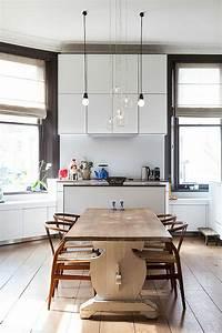 Suspension Luminaire Cuisine : ambiance cosy par le luminaire led dans une cuisine moderne design feria ~ Teatrodelosmanantiales.com Idées de Décoration