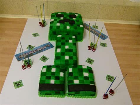minecraft creeper cake minecraft on creeper cake creepers and