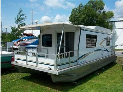 Houseboats Utilities by 57 Best Pontoons And House Boats Images On