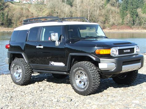 toyota cruiser lifted toyota fj cruiser off road lifted image 12