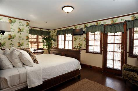 lahaina inn viesbutis havajai maujis  travel  spot