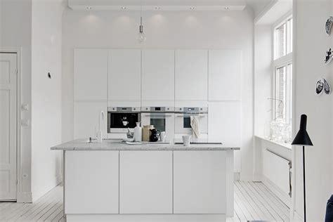 white marble kitchen island decordots white interiors