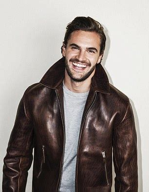 tom bateman wiki quickfire actor tom bateman on working with judi dench