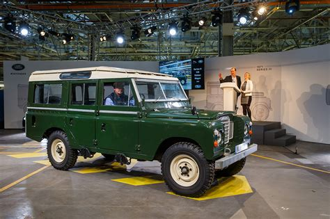 classic land rover 2016 the last classic land rover defender 30 egmcartech